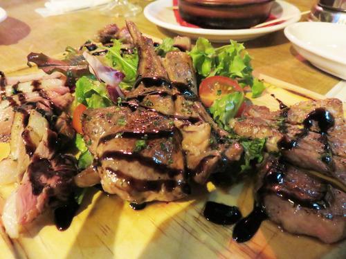 14厳選肉の4種盛り1