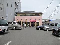 外観:駐車場@想夫恋・東合川バイパス店・久留米