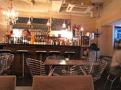 店内:カウンターとテーブル@cafe tempo(カフェ・テンポ)・今泉・天神