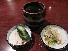 料理:お茶と漬物@古式生そば・ひさや・博多区土居町