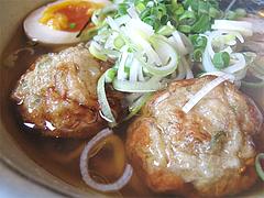 料理:つくね2コ@あごだし麺・五島軒