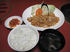 6ランチ:焼肉ランチ・ホルモン大盛800円@焼肉万歳・薬院店