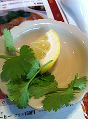 ランチ:パクチーとレモン@タイ料理レストラン・バンダル・天神西通り