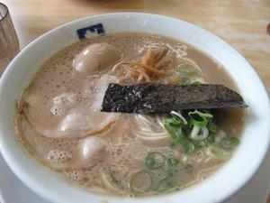 9煮玉子入りラーメン770円@魁龍