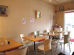3店内:テーブル@丸天うどん専門店・万平・七隈