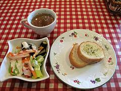 ランチ:スープ・サラダ・パン@マドンナ・マイアーラ・イタリアン