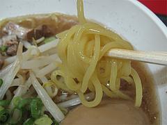料理:煮干しラーメンの麺@ラーメンかめぞう住吉店
