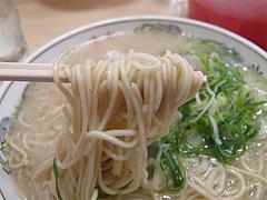 料理:ラーメン麺@元祖長浜ラーメン・ぶんりゅう