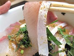 16料理:胡麻醤油かけて食べる@海鮮丼・日の出・薬院