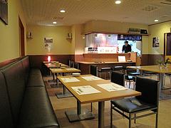 4店内:テーブル席@居酒屋なごみ・八女の鮎と燻製料理の店・美野島
