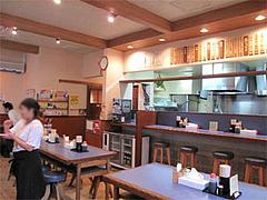 店内:テーブル席@らーめん屋鳳凛春吉店