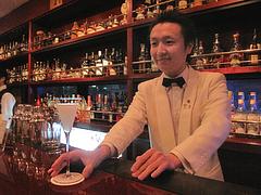 カクテル:ブロンクス・テラスと柳瀬店長さん@バー倉吉(くらよし)