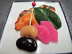 8宴会:焼物 鮭柚庵焼 海老芋田楽 紫大根@観山荘別館・小倉・料亭