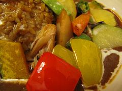 ランチ:野菜どっさり@完熟野菜の大自然CURRY(カレー)・西新商店街