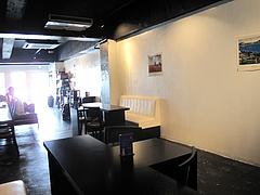 店内:奥から入り口@居酒屋・白金玄歩・薬院