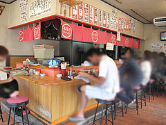 3店内:カウンター@七福亭ラーメン