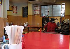 店内:カウンター・テーブル席・小上がり@四方平(よもへい)・小倉