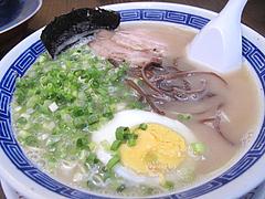 料理:博多コクとんこつら~めん600円@ダーチャ・まんぼ亭・赤坂門市場