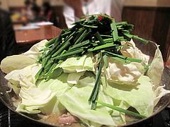 17料理:もつ鍋白味噌@からつ庵・奈良屋店・もつ鍋居酒屋