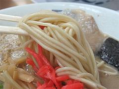 料理:ラーメンの麺@魁龍博多本店