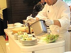 店内:サラダコーナー@クラウンカフェ・ANAクラウンプラザ