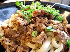 ランチ:肉ぶっかけうどんアップ@カラフル食堂・住吉店