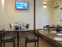 4店内:テーブル・小上がり・スポーツ観戦@東園
