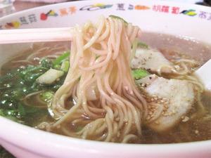 7ラーメン麺@トマト飯店