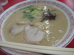 料理:ラーメン320円@長浜ラーメン・たくま