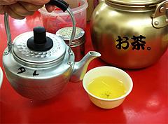 店内:お茶とタレ気をつけよう。@元祖ラーメン長浜家・大手門