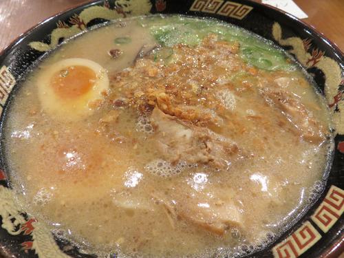 13半熟煮玉子入り豚とろラーメン830円