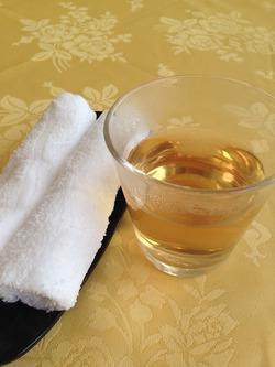 4お茶とおしぼり@薬膳・天地礼心