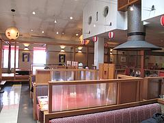 2店内:テーブル席@焼肉万歳・薬院店