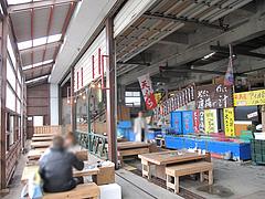 店内:テーブル席@牡蠣小屋だいゆー(だいゆう・ダイユー)・糸島