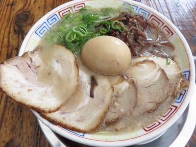 5チャーシューめん820円+煮玉子100円