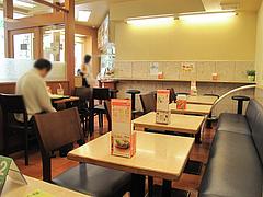 4店内:テーブル・禁煙席@モスバーガー六本松店