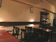4店内:テーブル席@イタリアン・ワインバー・SUGIYA(スギヤ)・赤坂