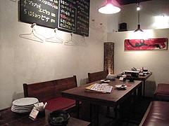 店内:テーブル席@居心地屋レオン・薬院・居酒屋