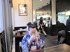 5店内:テーブル席@久留米大砲ラーメン・小田部店