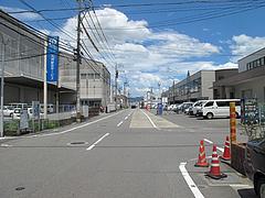 2外観:お店のある通り@ラーメン・らぁめんシフク(429)・福岡空港