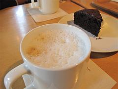 料理:カフェラテ@Cafe MUJI(カフェ・ムジ)・キャナルシティ博多