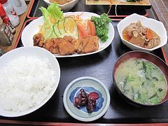 ランチ:鳥から揚げ定食500円@味楽・大橋