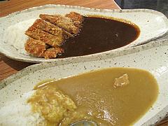 料理:復刻カレーと黒カレー@ナイル今泉店・天神