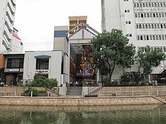 外観:川側から引き1@博多川端商店街
