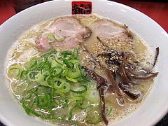 料理:とんこつラーメン550円@ラーメン新月・西新