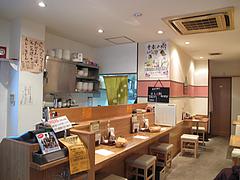 店内:カウンターとテーブル席@カレーうどん・黄福堂・高宮