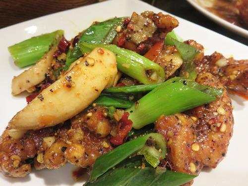 12鶏肉の四川唐辛子炒め