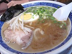 料理:博多極太わとんこつら~めん@ダーチャ・まんぼ亭・赤坂門市場
