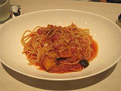 料理:いろいろ夏野菜・ベーコン・パルメザンチーズのトマトソース@オッジ・ヒロズスタイル・大名