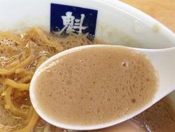 9ど豚骨ラーメンスープ@魁龍・博多本店